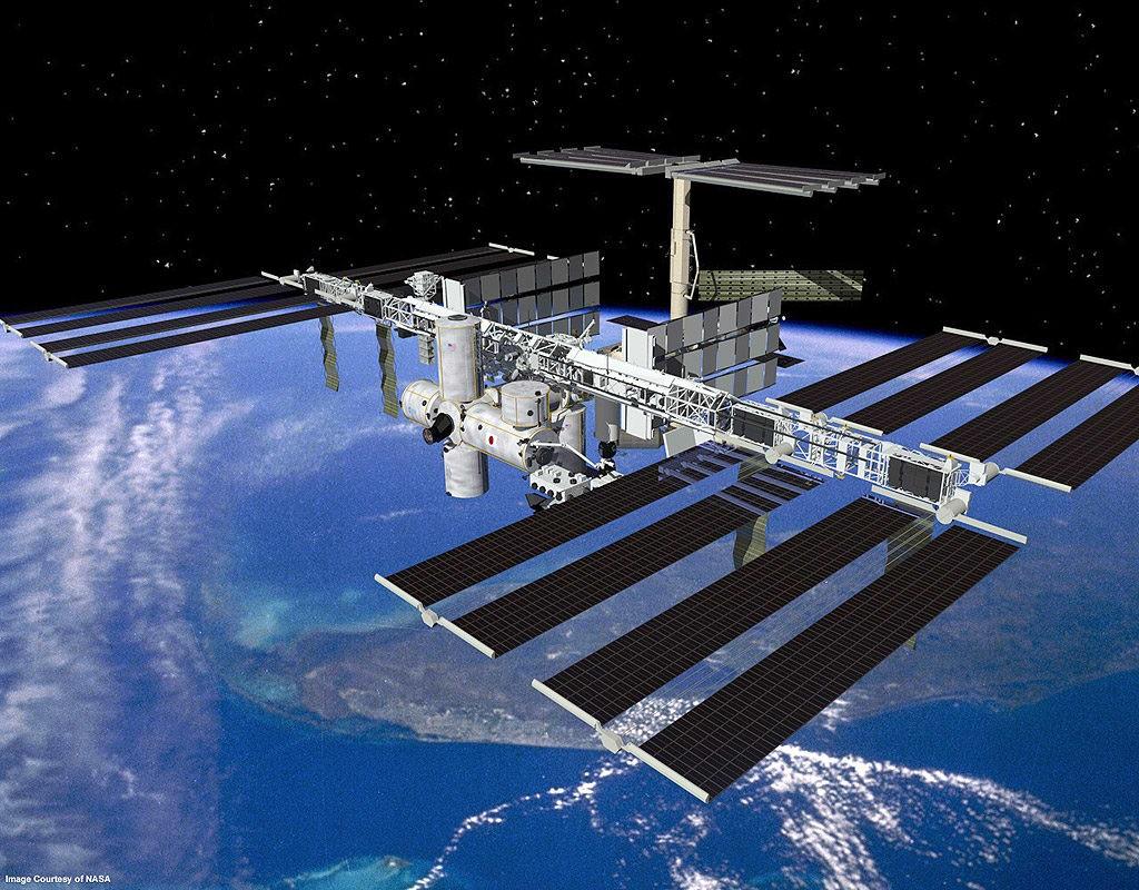 #Aovivo: Astronautas fazem reparo na 'ISS' em meio ao espaço