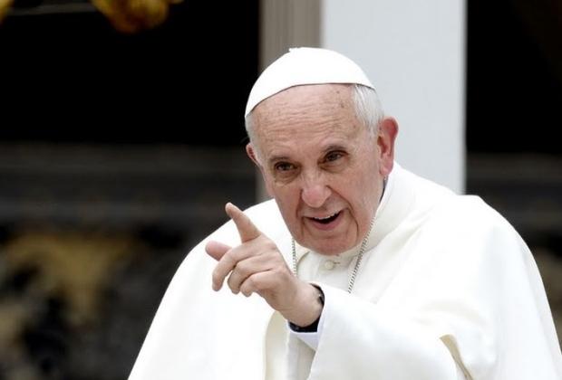 Papa irá 'oferecer apoio aos refugiados' em Lesbos