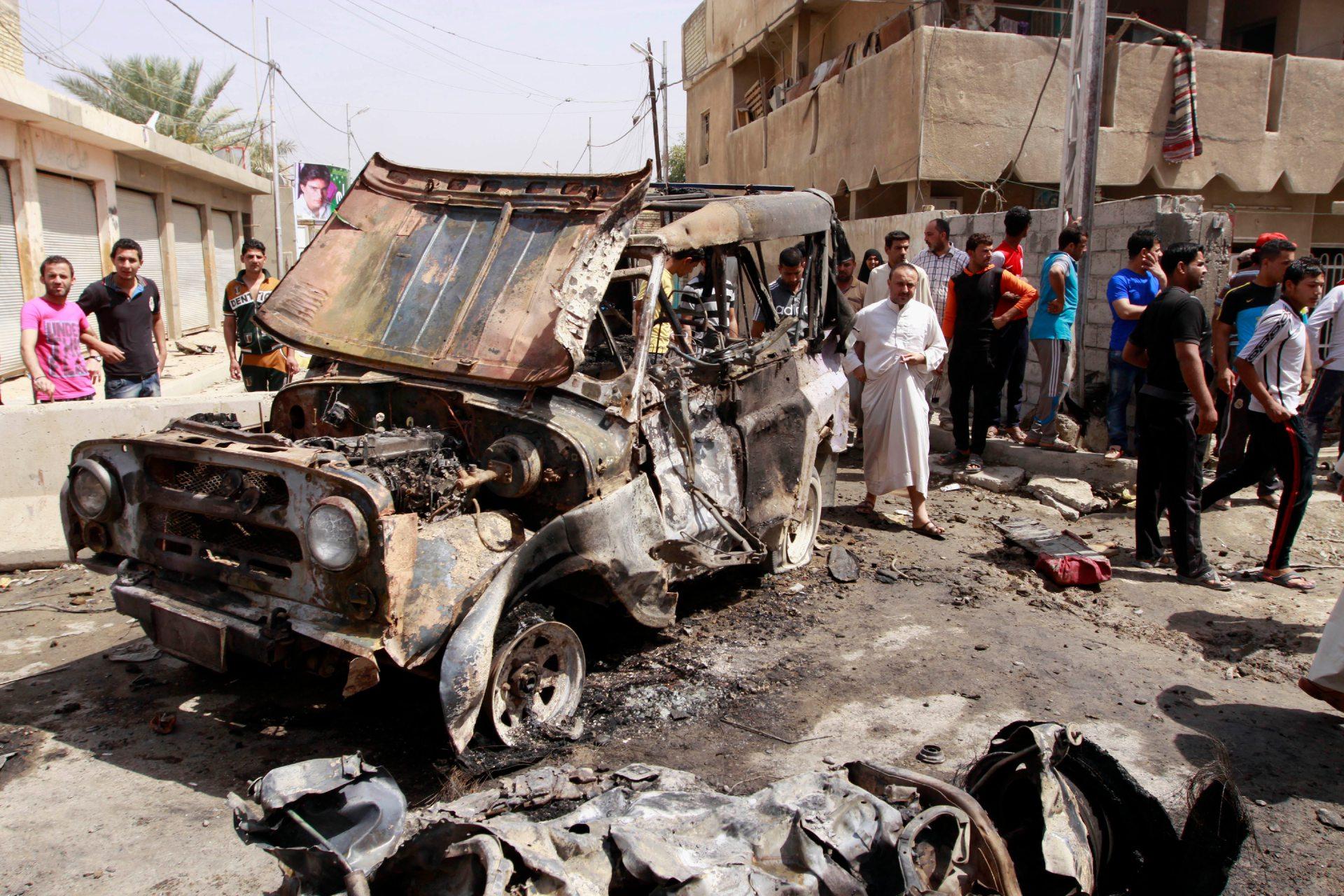 Atentado com carro-bomba mata 22 pessoas e deixa 43 feridas em Bagdá
