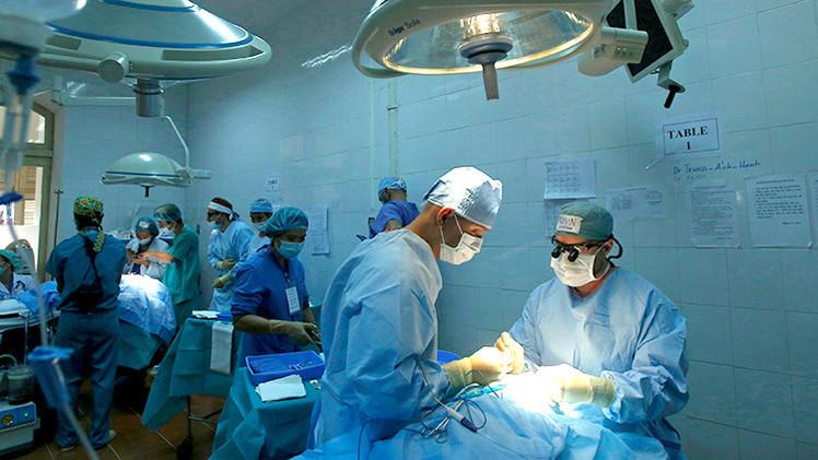 Cientista anuncia primeiro transplante de cabeça para 2017 e gera polêmica