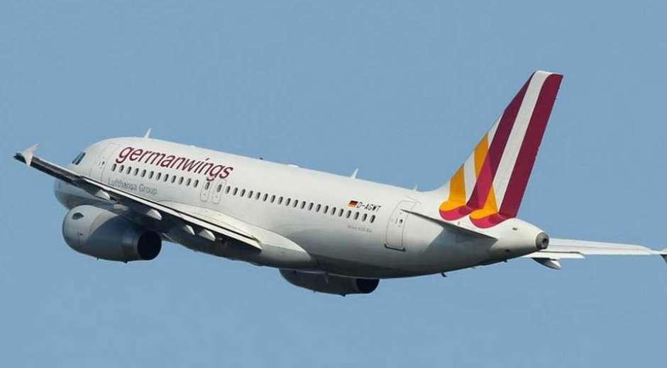 Avião com 150 pessoas cai em alpes da França