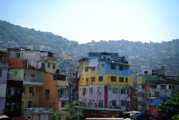 Moradores de favelas movimentam R$ 68,6 bilhões por ano, mostra estudo