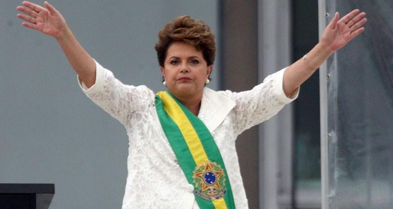 """""""Brasil está de braços abertos"""" para receber refugiados, afirma Dilma"""