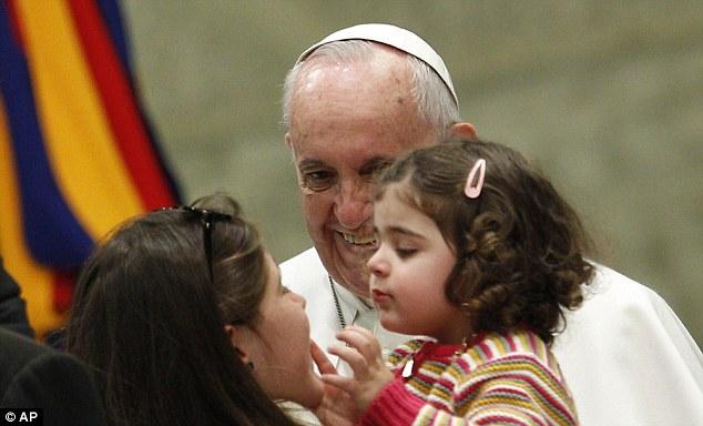 """Papa Francisco condena a injustiça social e a """"cultura do descartável"""" da globalização"""