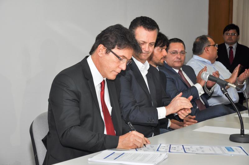 Gilberto Kassab e Governo do RN assinam convênio de R$ 504 milhões para ampliar saneamento básico em Natal