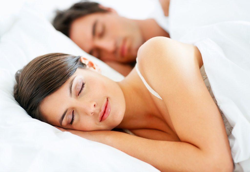 Dormir e sonhar ajudam a consolidar as memórias