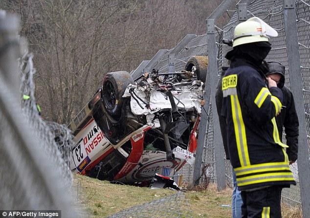 Imagens chocantes: Acidente em corrida na Alemanha resulta na morte de um espectador