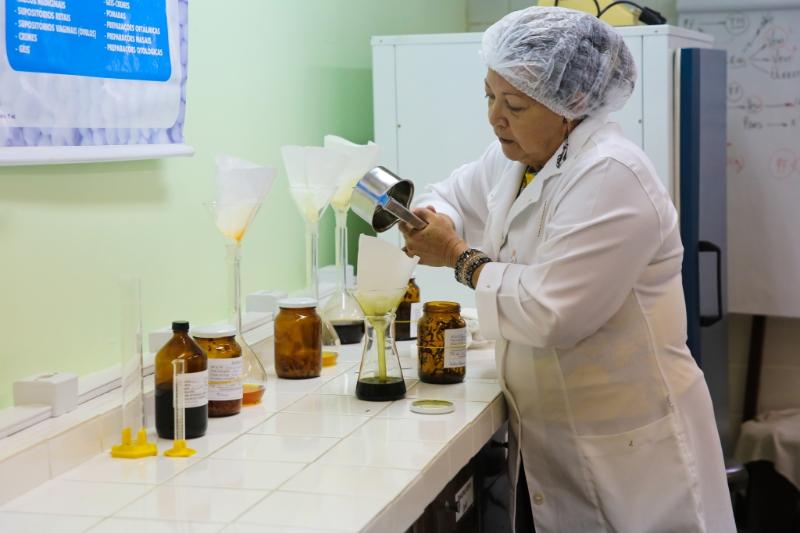 Pesquisadora da UFRN desenvolve remédio homeopático para auxiliar no combate ao câncer de próstata