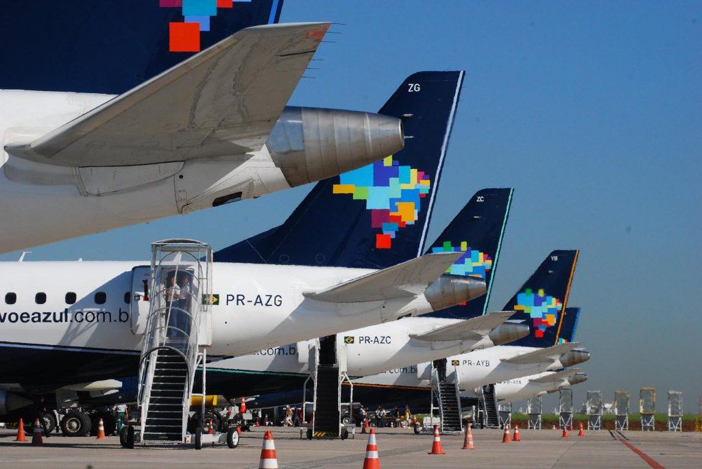 Passagem de avião fica mais cara e pressiona a inflação no Brasil