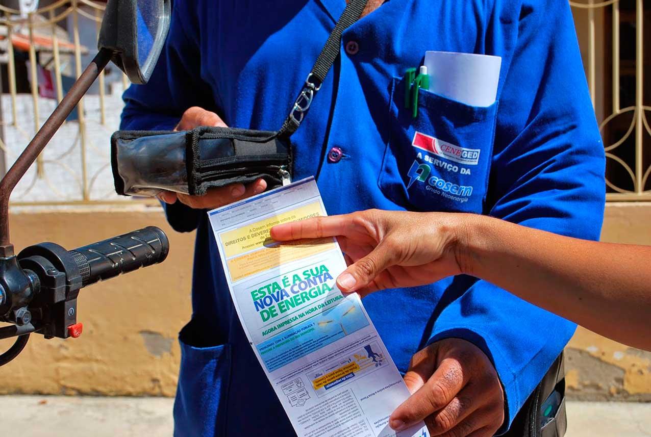 Ação permite troca de material reciclável por descontos na conta de energia