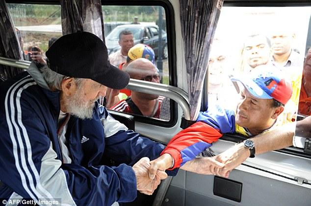 Fidel Castro faz primeira aparição pública após EUA e Cuba restabelecerem laços
