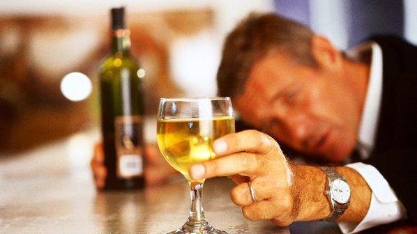 Bebida alcoólica mata uma pessoa a cada 10 segundos no mundo