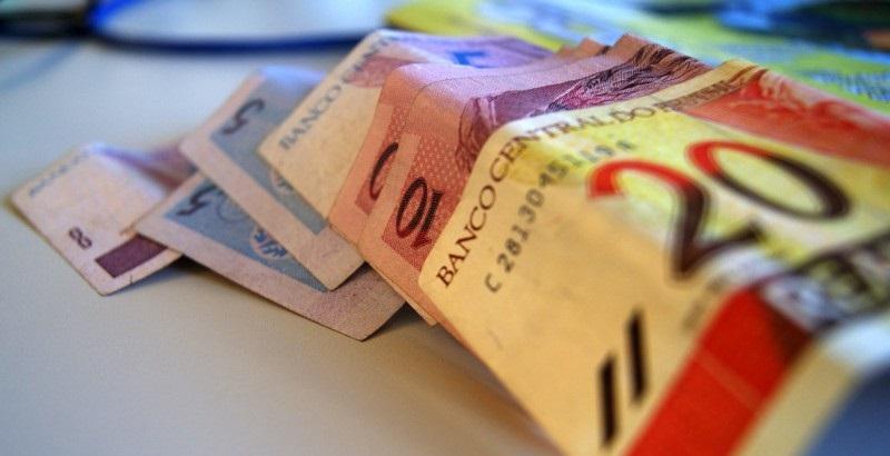 Governo propõe na LDO salário mínimo de R$ 854 em 2016