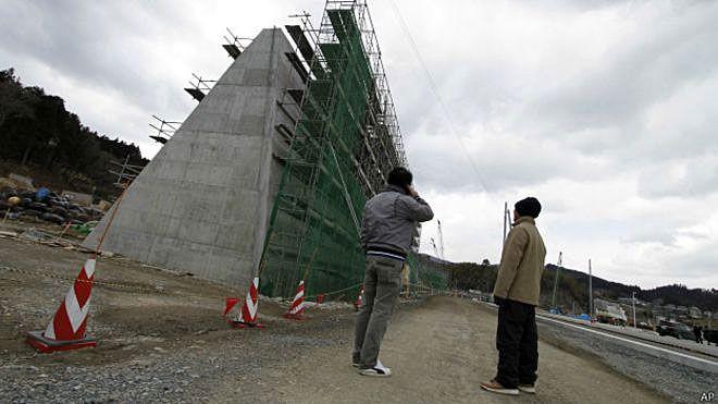 Japão inicia construção de muralha contra tsunamis