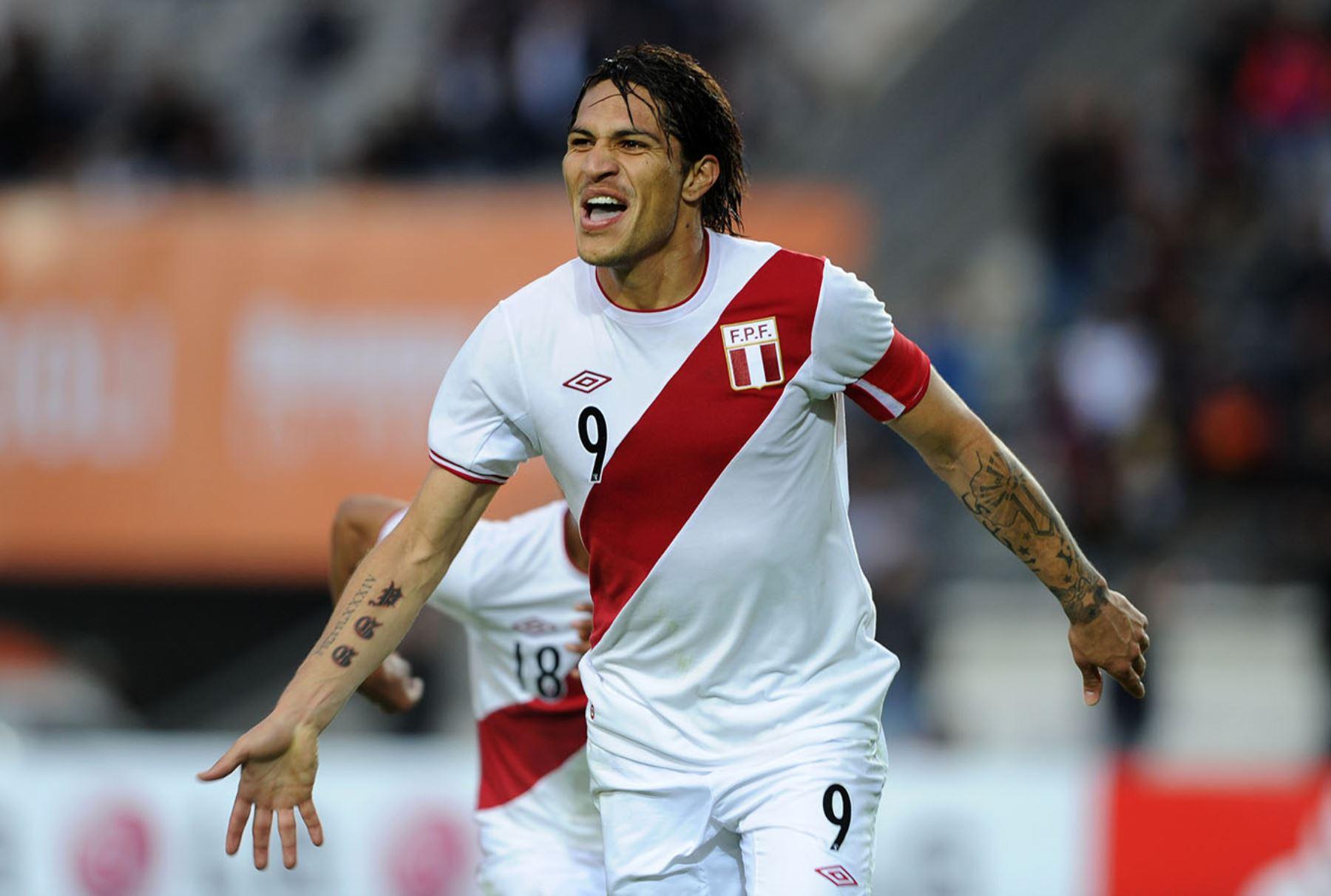 Paolo Guerrero é o novo atacante do Flamengo