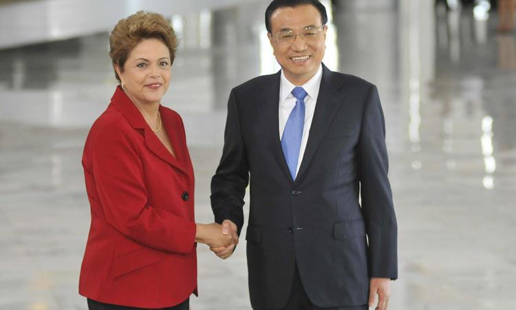 Brasil e China vão construir ferrovia do Atlântico ao Pacífico