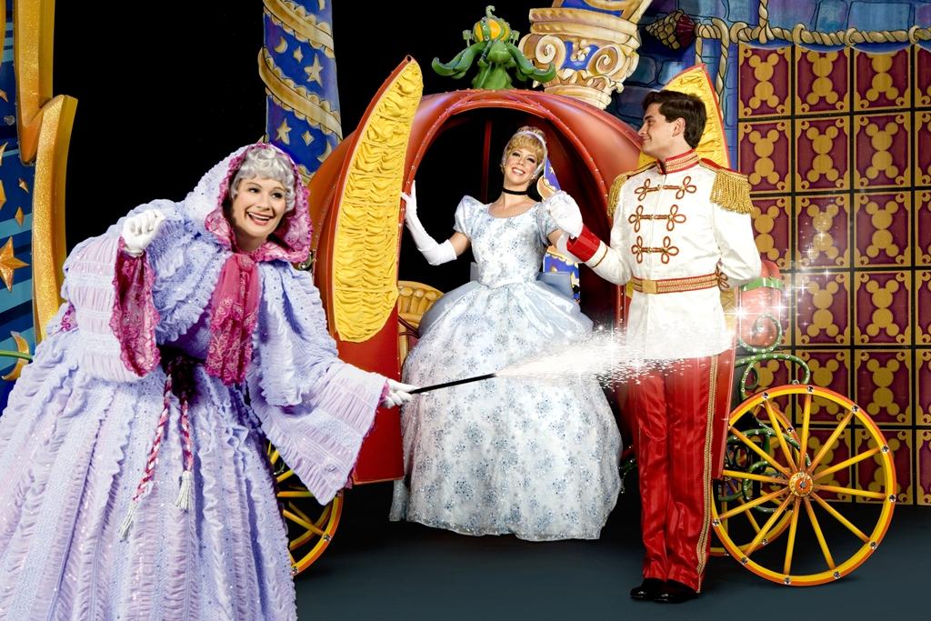 Espetáculo 'Disney Live! O caminho mágico de Mickey e Minnie' estreia no Brasil