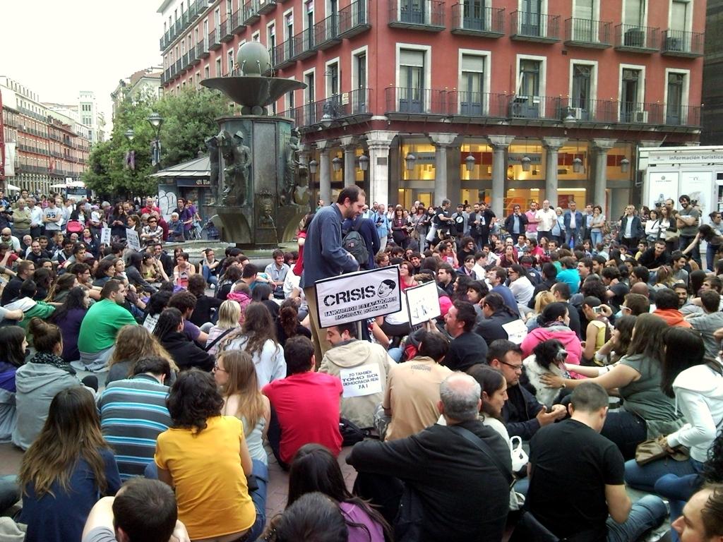 Crise econômica destruiu um terço da classe média espanhola, diz pesquisa