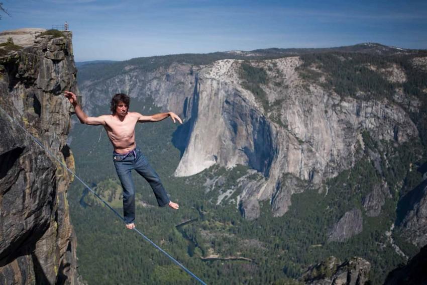Aventureiro 'Dean Potter' morre em salto de 2,3 mil metros