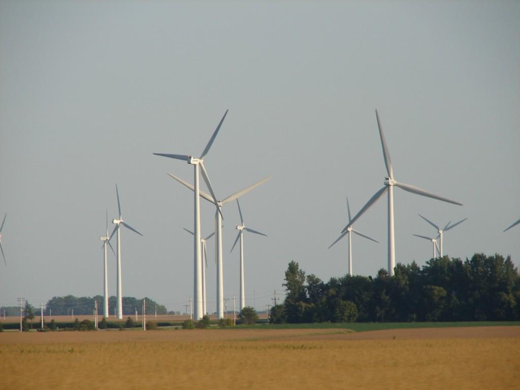Estatal italiana estuda investir no setor eólico brasileiro