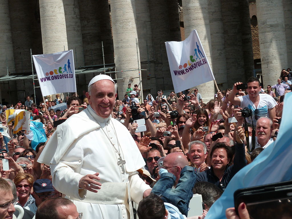 Papa cria tribunal para julgar bispos por pedofilia