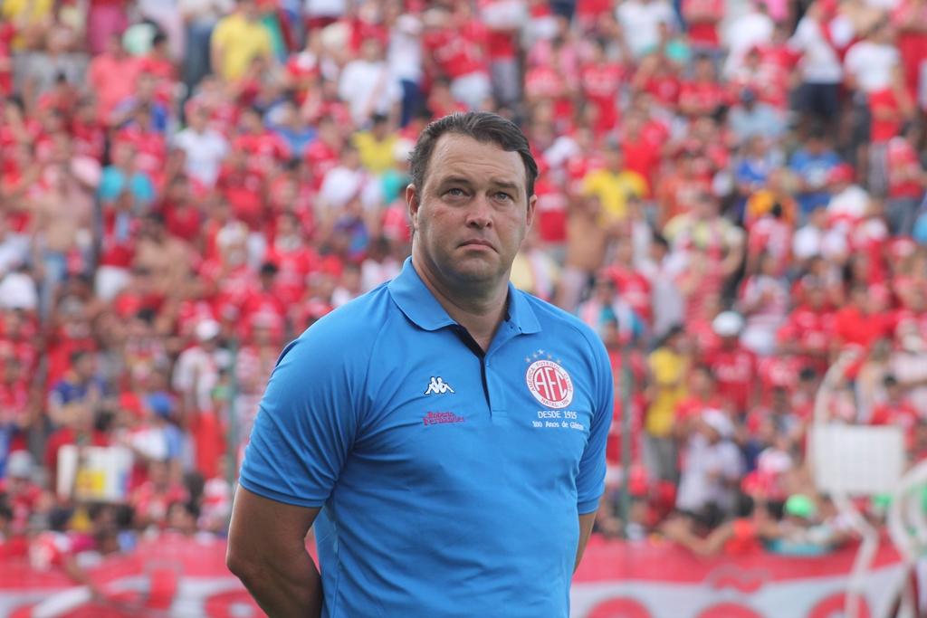 """""""O nosso grande patrocinador tem que ser o torcedor"""", diz Roberto Fernandes"""