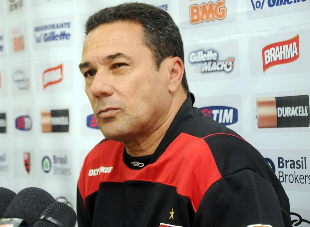 Luxemburgo ataca a diretoria do Flamengo: 'não entendem nada de futebol'
