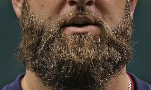 Barbas possuem mais sujeira que vaso sanitário, alerta microbiologista