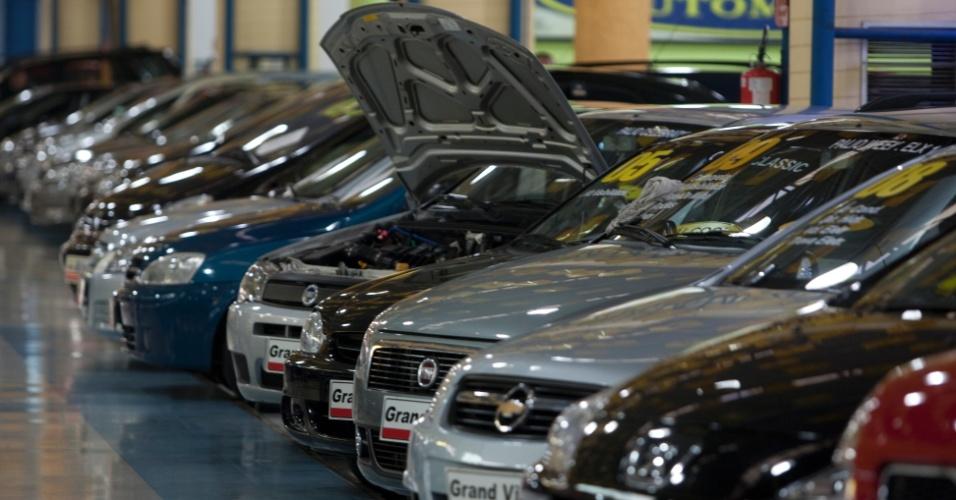 Vendas de veículos caem 9,32% em abril