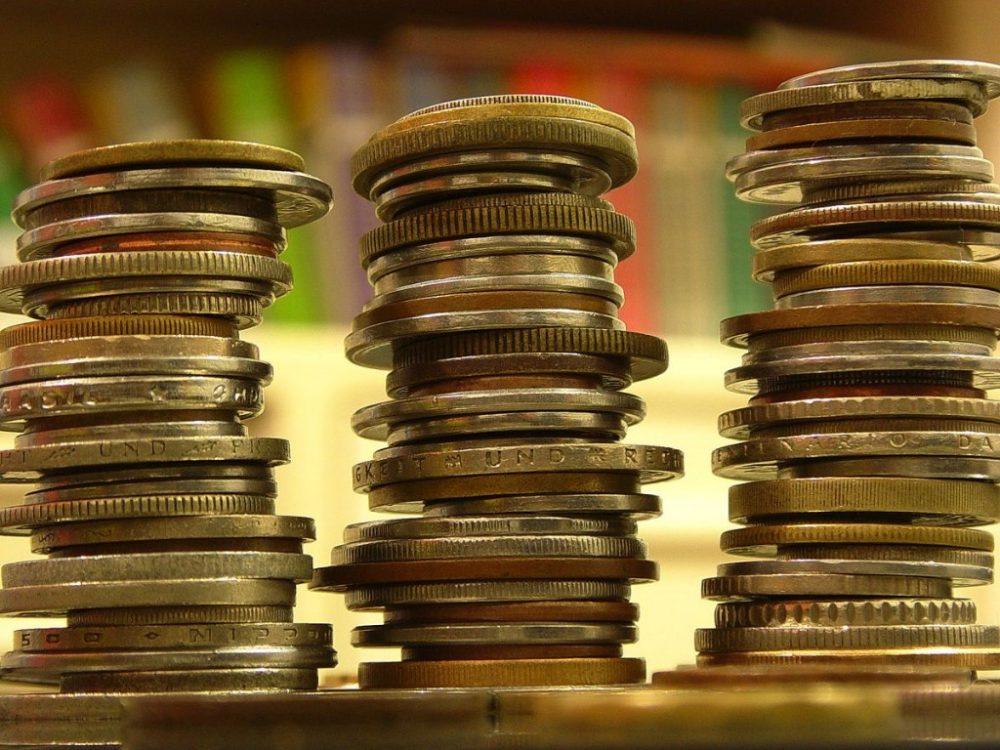 Vai investir em renda fixa? Conheça as taxas cobradas