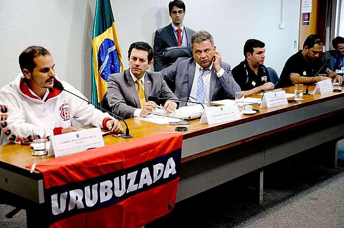 Torcidas questionam acesso a estádios em debate na comissão da MP do Futebol