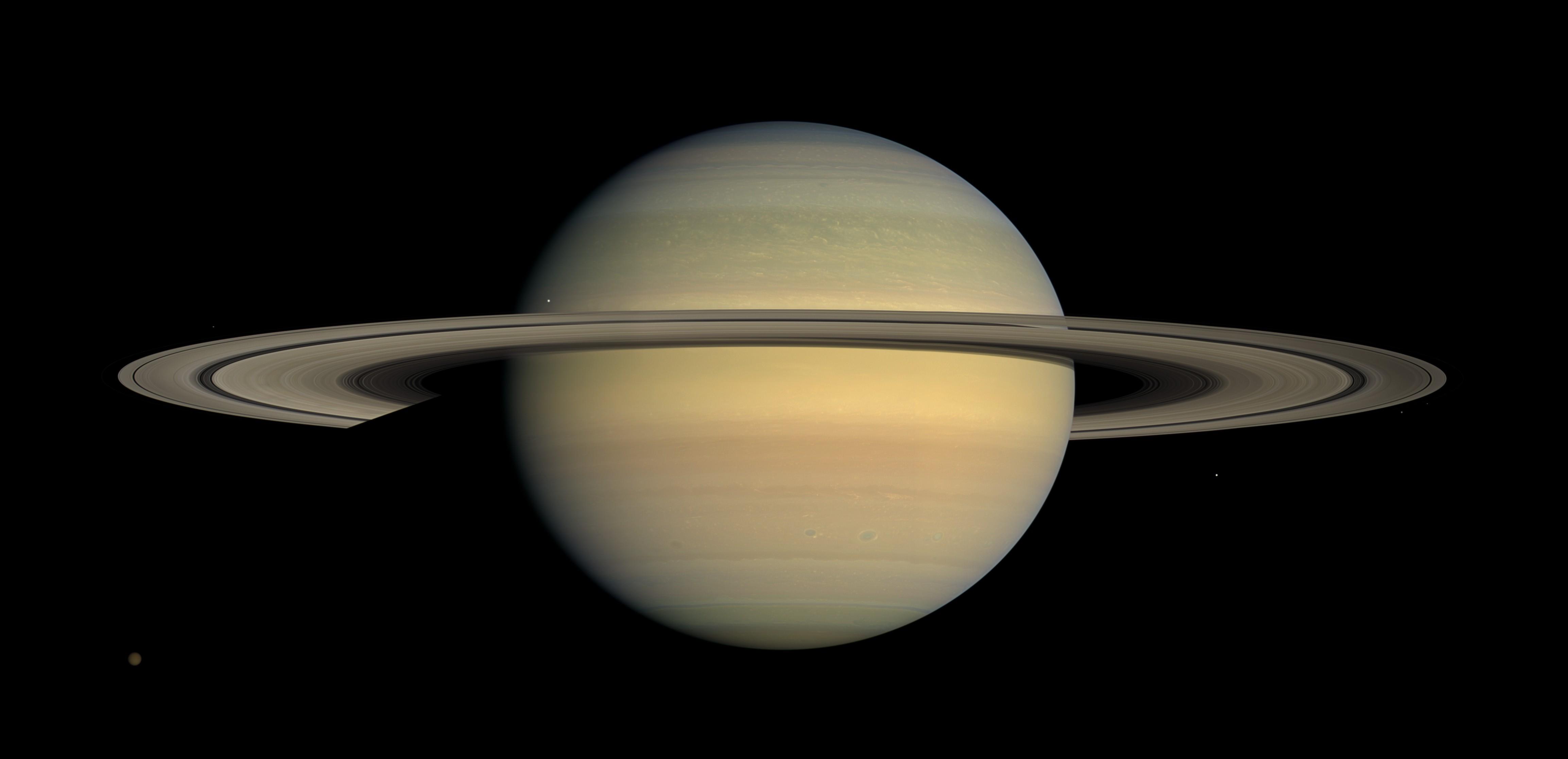 Anéis de Saturno e luas de Júpiter ficam visíveis na noite desta sexta-feira (22)