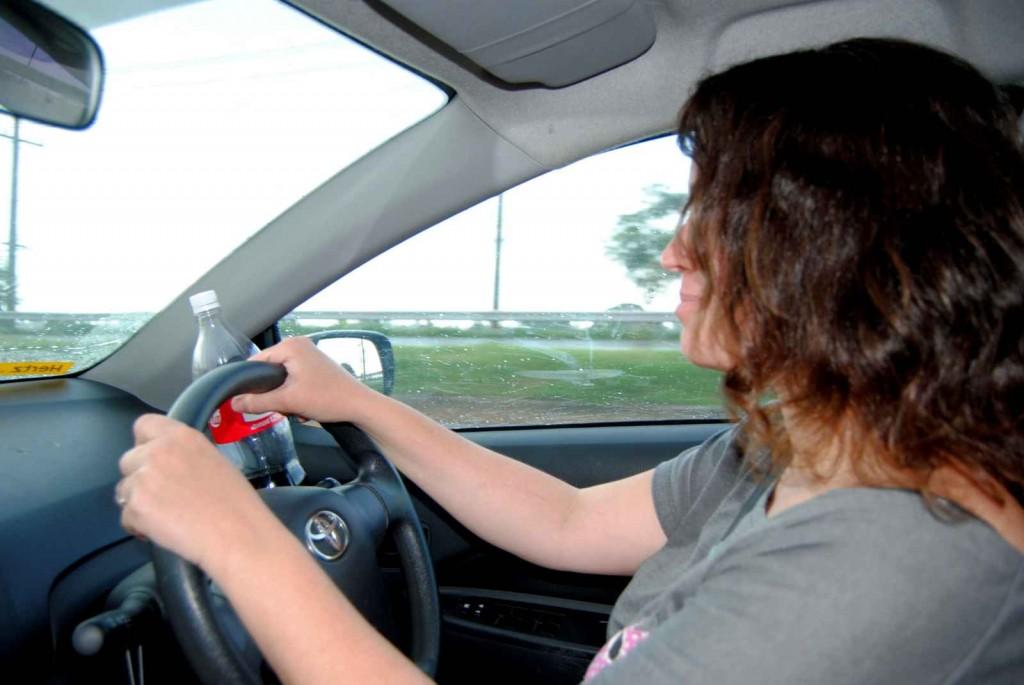 Contran proíbe registro e licenciamento de veículo com volante no lado direito