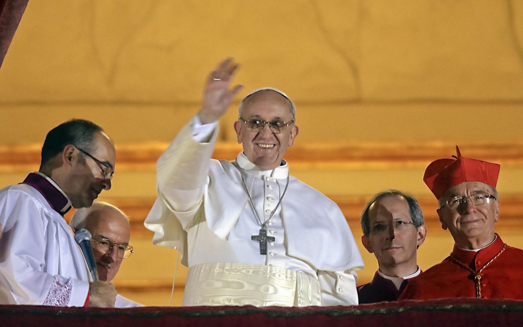 Papa Francisco critica supervalorização do futebol