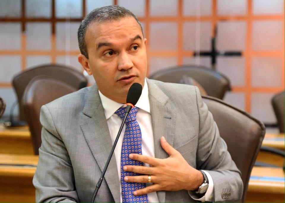 Deputado diz que Governo Federal favorece Pernambuco na disputa pelo Hub da TAM