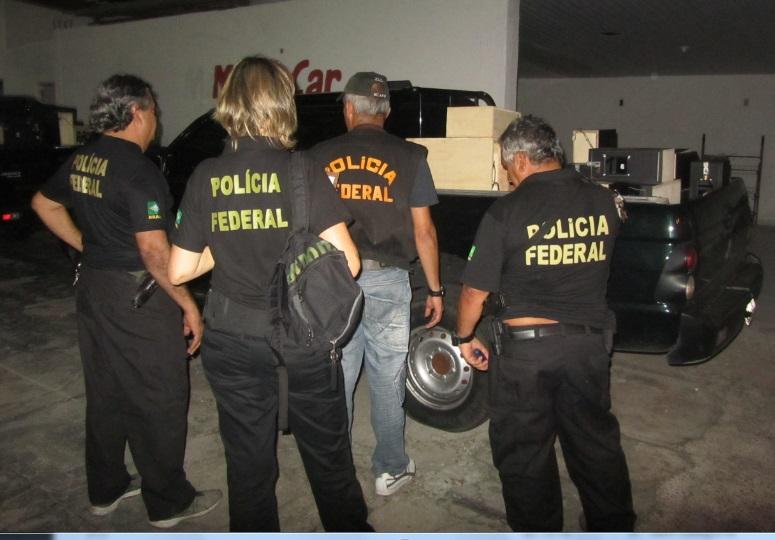 Polícia Federal prende homens com 27 máquinas caça-níqueis em Natal