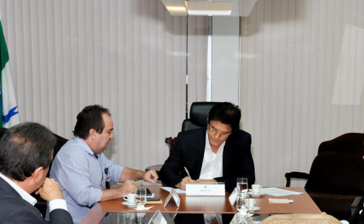 Governador do RN anuncia retomada do saneamento de Apodi e o comprometimento com a Transchapadão