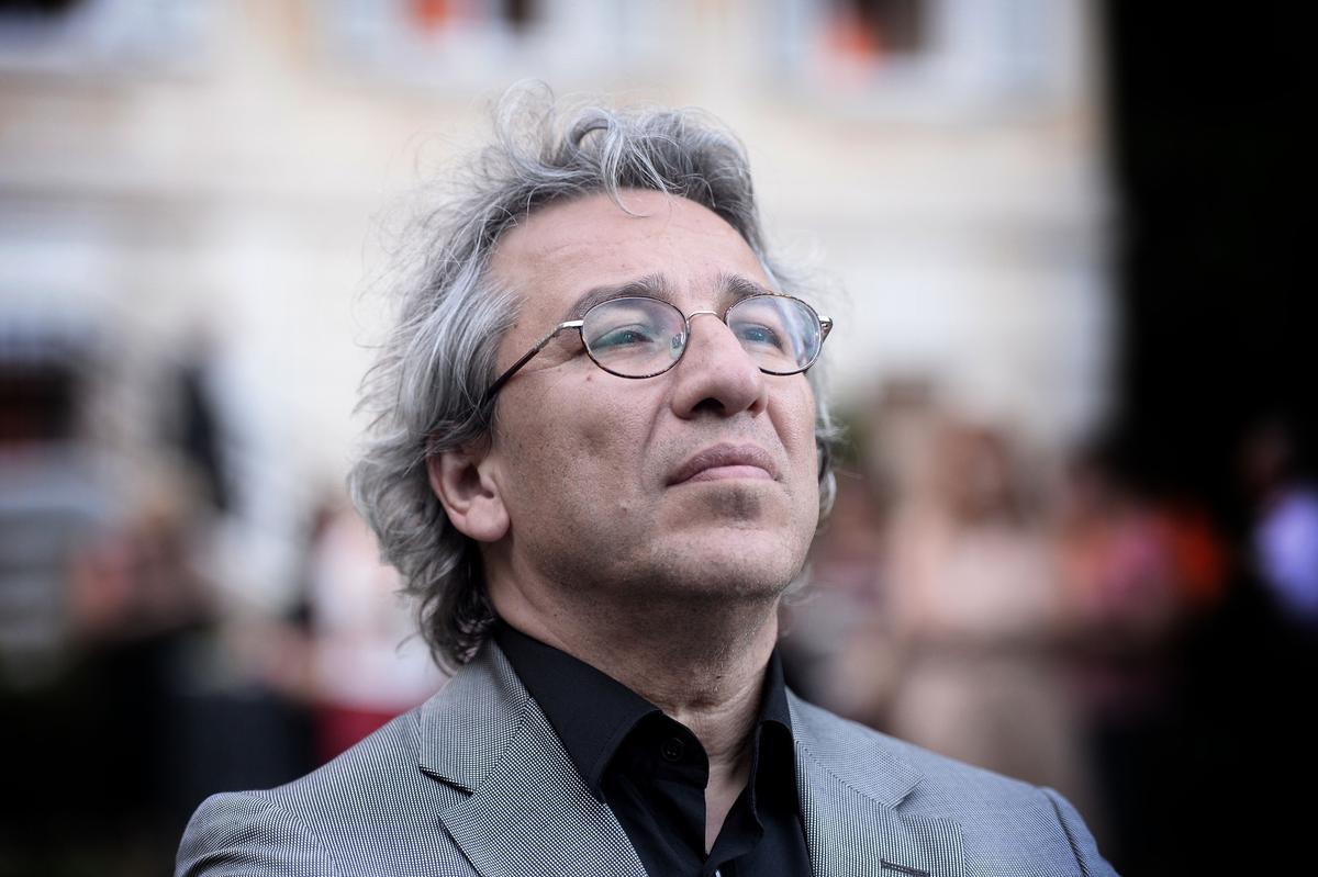 Promotoria turca pede prisão perpétua a jornalista opositor