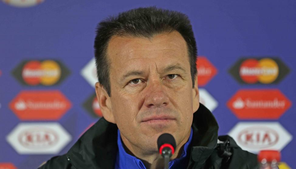 Dunga alerta para as qualidades da seleção paraguaia