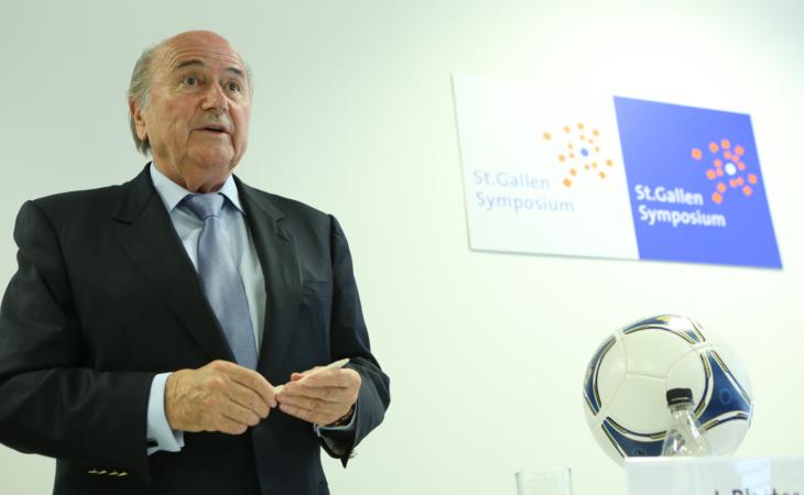 Joseph Blatter coloca mandato à disposição na Fifa