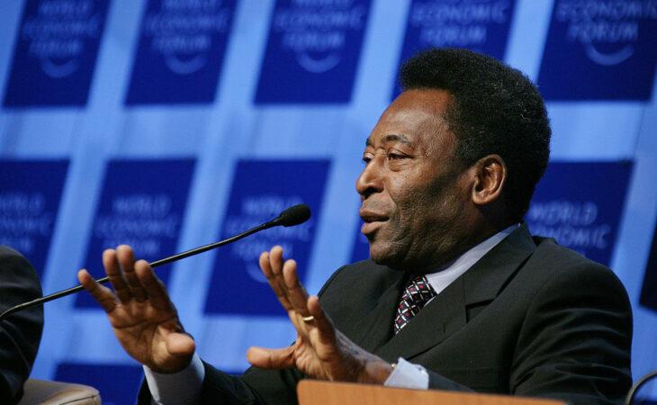 Pelé diz ser favorável ao quinto mandato de Joseph Blatter