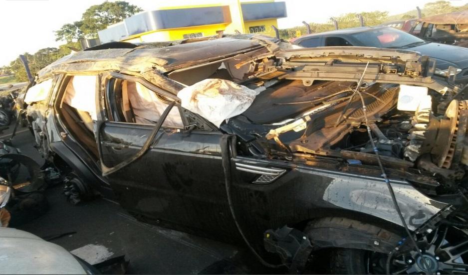 Fotos mostram como ficou o carro do cantor Cristiano Araújo após o acidente