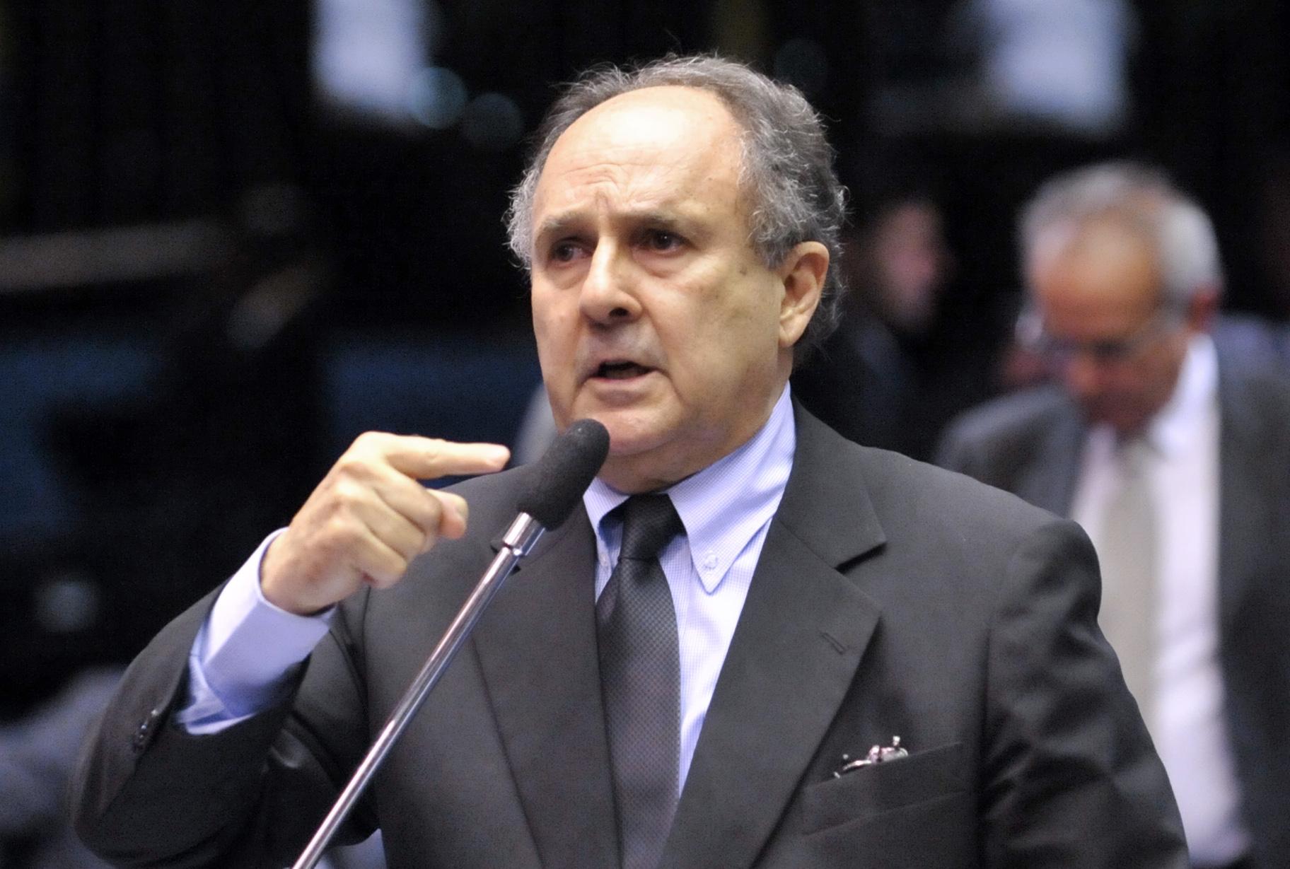 Federalização da educação de base é aprovada no Senado
