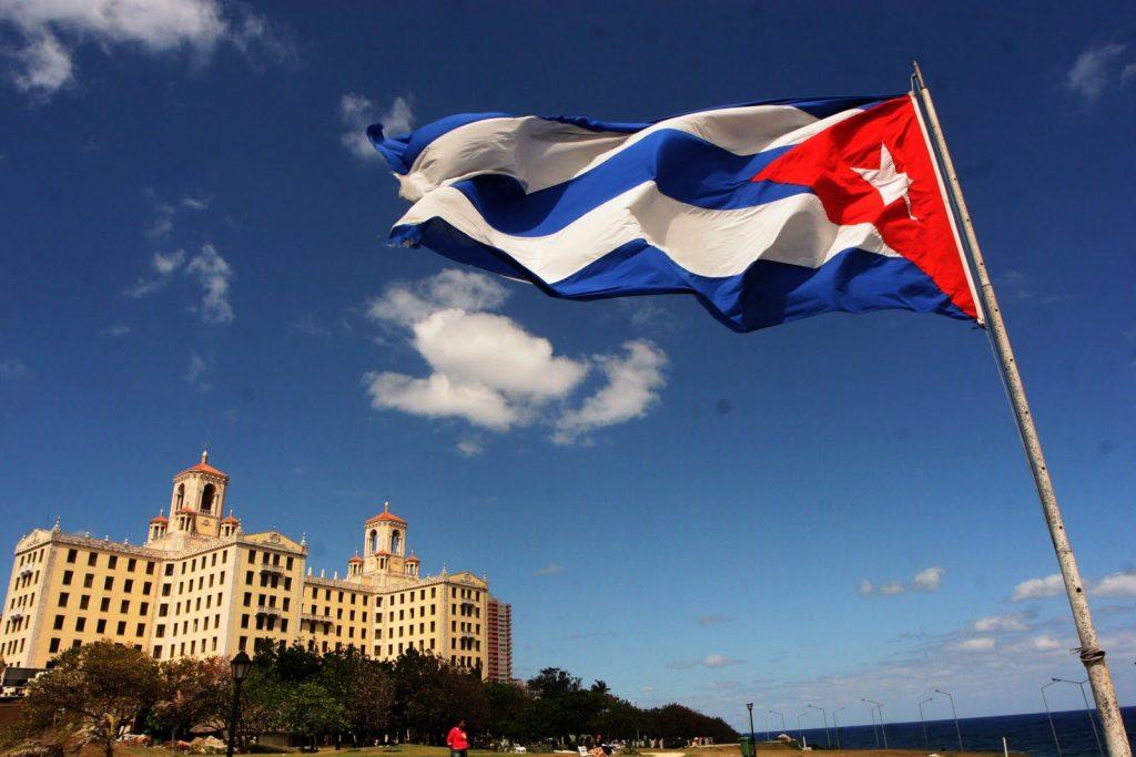 Cuba abrirá 35 zonas de wifi gratuito pelo país e reduzirá preço da internet