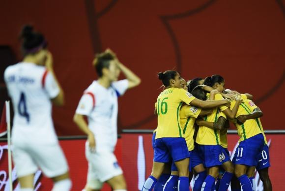 Brasil vence Coreia por 2 a 0 em jogo da Copa do Mundo de Futebol Feminino