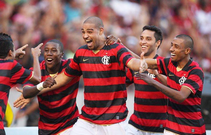 Justica condena Flamengo a pagar R$ 1 milhão a Adriano em 24 horas