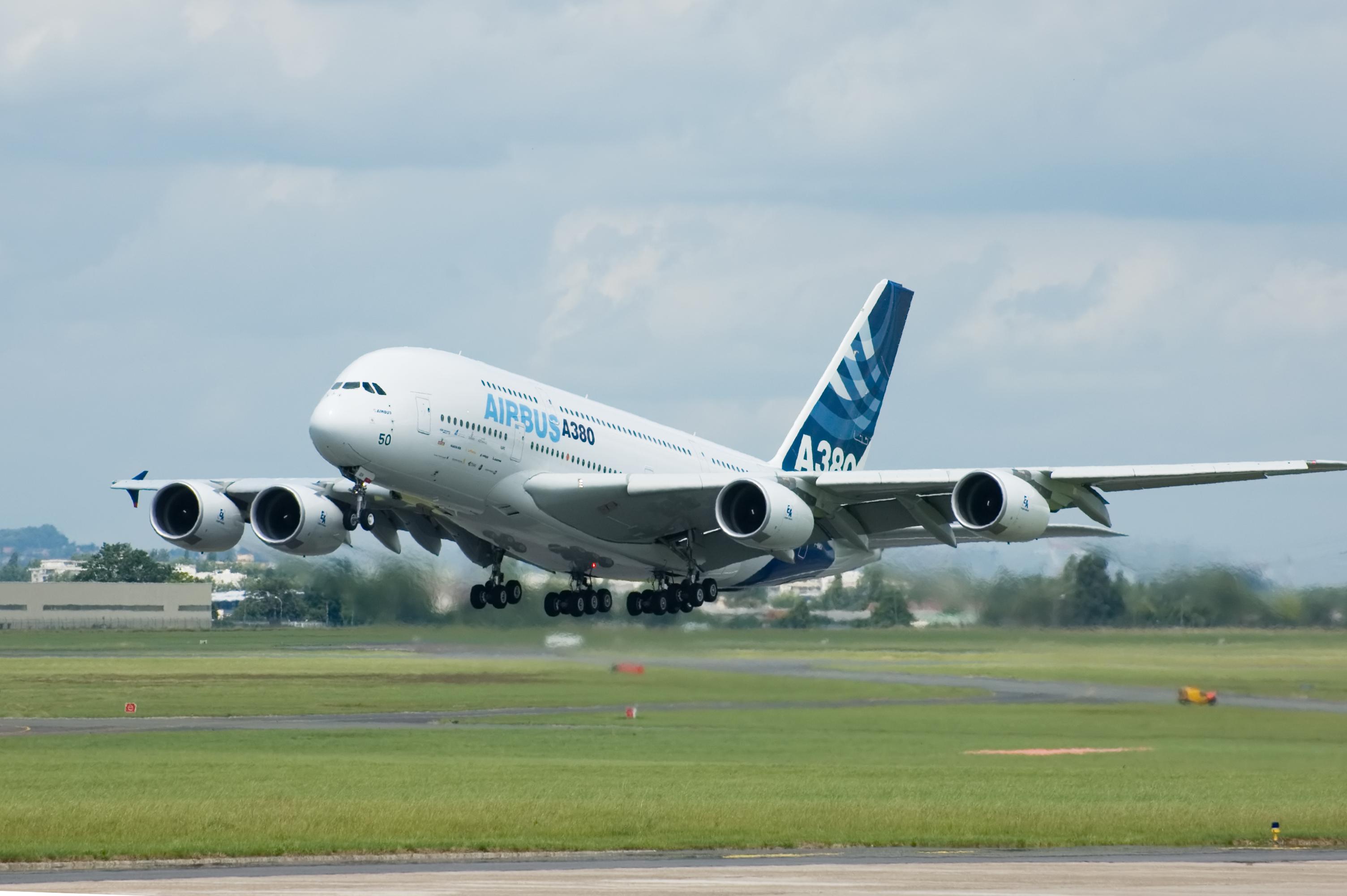 Airbus supera Boeing em pedidos no primeiro semestre de 2015