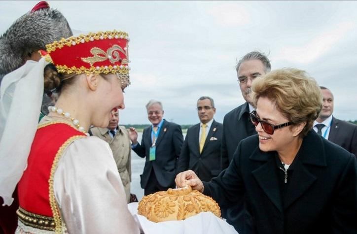 Dilma chega a Ufá, na Rússia, para participar da VII Cúpula dos Brics