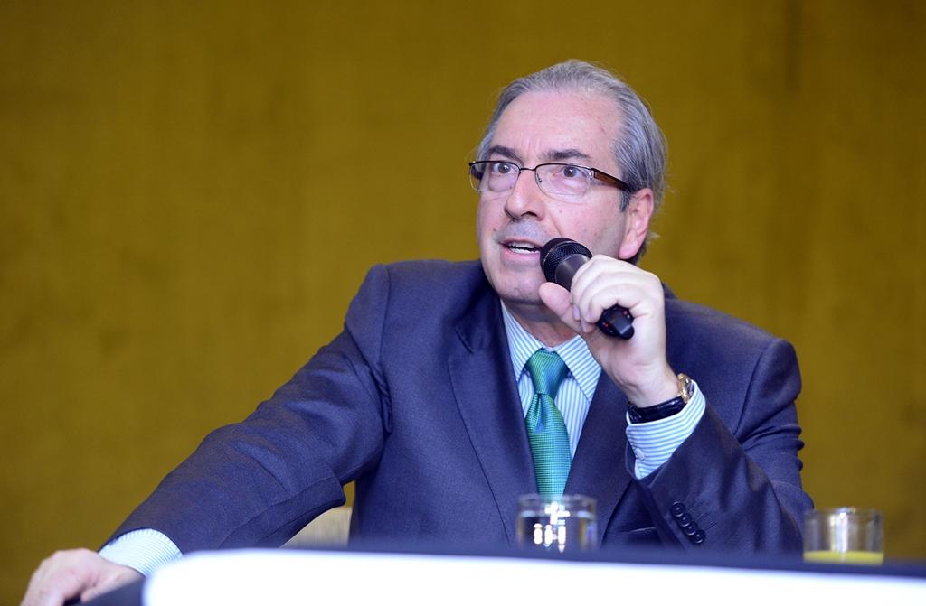 Eduardo Cunha diz que apreciação de contas de Dilma deve ficar para 2016