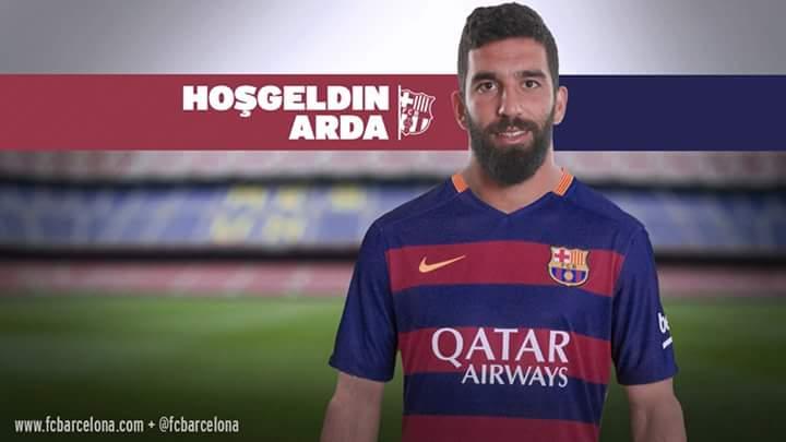 Barcelona contrata Arda Turan para lugar de Xavi
